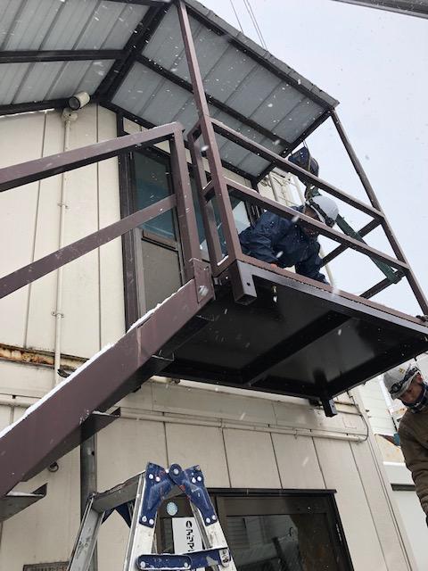 札幌市の鉄骨修理やアパートの階段、シャッター修理やカーポート・外装リフォーム全般の施工業者をお探しなら|サークルフェロー