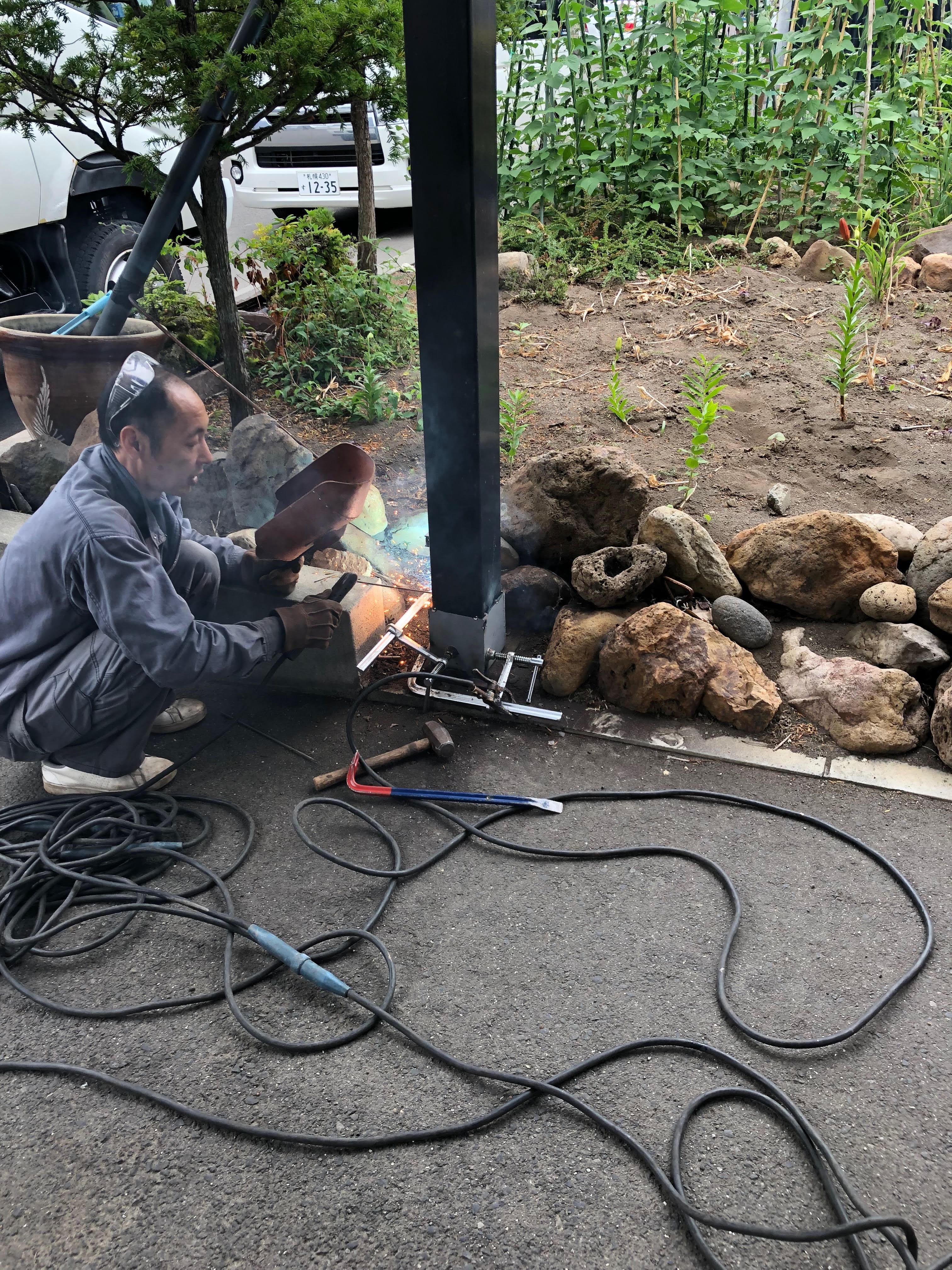 札幌市手稲区 鉄骨カーポート柱の補強工事