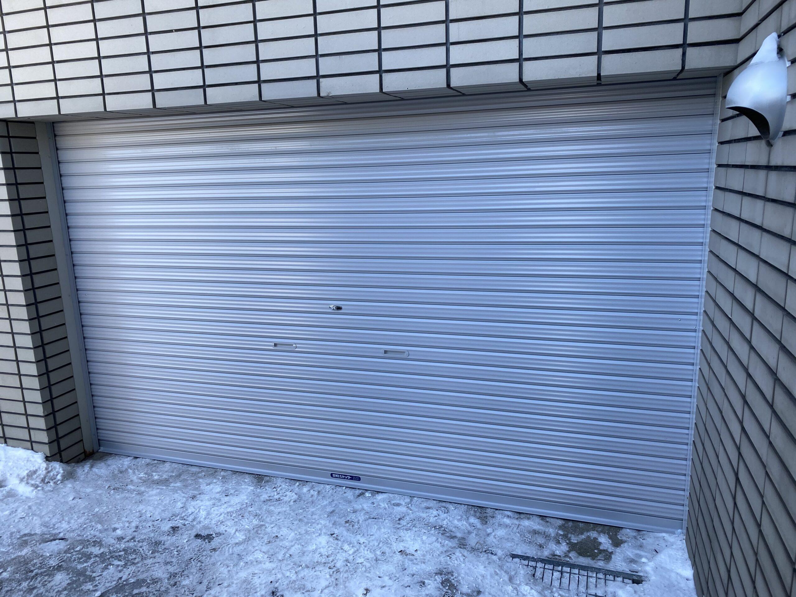 札幌市厚別区にて軽量バランスシャッターの交換工事